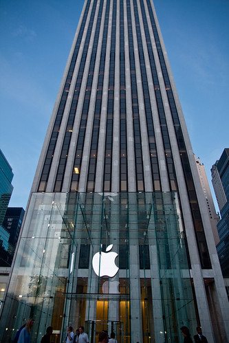 Apple Store at Fifth Avenue | by VideoPhotoholic