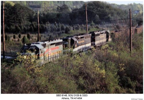 railroad train diesel tennessee railway trains athens southern locomotive trainengine sr sou sbd sd45 emd sd402 sd40 seaboardsystem sixaxle familylinessystem
