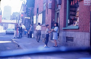Vie quotidienne dans le quartier chinois de Montréal, 1966 | by Archives de la Ville de Montréal