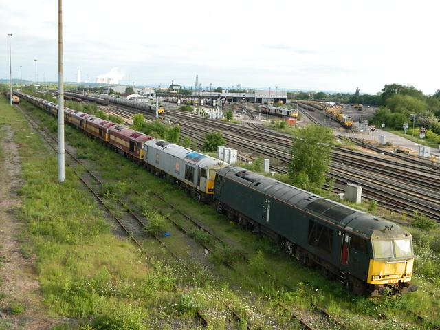 I LOVE A GOOD TUG!!! DB CARGO SELLING THERE 60's!!!