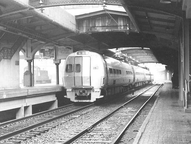Amtrak 863