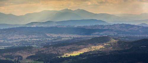 landscape sequeensland albertvalley loganvalley vista view queensland australia smoky mountmaroon mountballow australianmountains