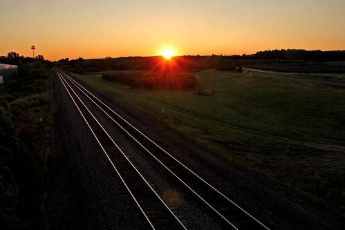 tracks railroadtracks sunrisephotography sunrise northeastpennsylvania bortroad csxeriewestsubdivision