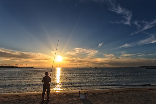 sunset sea sky sun beach water japan horizontal clouds canon big fishing fisherman wide pole chiba 日本 5d ultrawide tateyama 2012 lastlight markii 千葉 1635mm fav10 館山 canoneos5dmarkii karlocamero