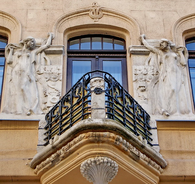 Budapest, Art Nouveau. Motifs of some electric instruments