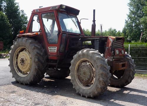Battered Fiat tractor   by Spottedlaurel