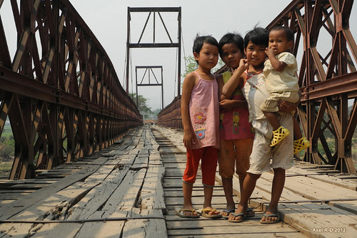 Kids posing - Hsipaw, Myanmar | by -AX-
