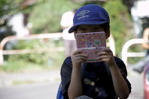 3DS boy. | by MIKI Yoshihito. (#mikiyoshihito)