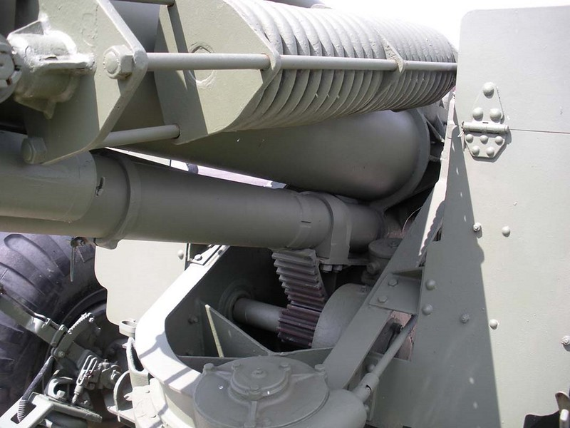 US 155mm M1A1 Howitzer 4