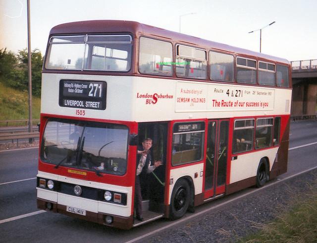 London Suburban Bus 1503 (CUL141V)