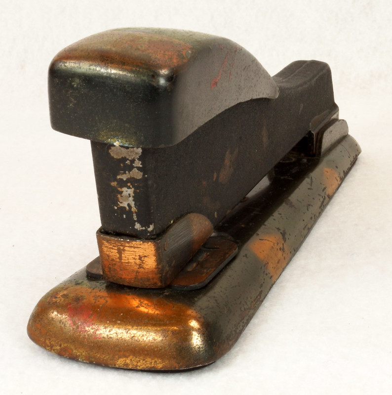 RD11756 Vintage Art Deco Stapler The Hotchkiss Sales Co. Norwalk, CT Model 120 DSC02415
