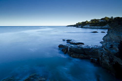 ri waves newport atlanticocean cliffwalk mansions bigstopper