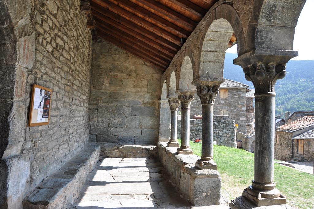 Queralbs. Parish church of St. James. Porch. 12th. C.