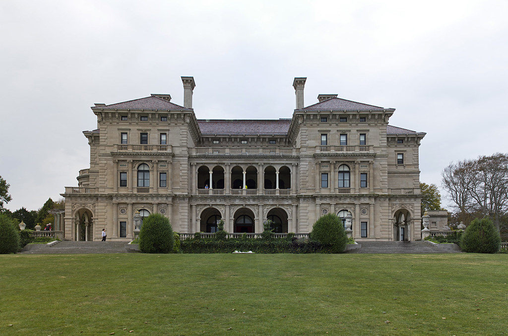 The Breakers | The rear of the Breakers mansion in Newport ...