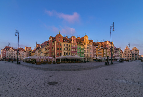 colour colours colors color market square poland wroclaw canon 6d tokina 1628mm view landscape city cityscape architecture morning may spring 2018 europe travel