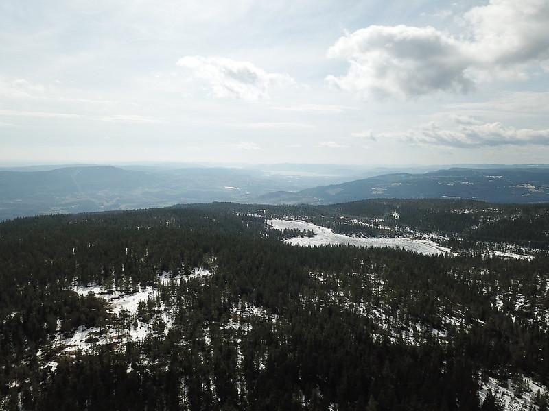 14-Utsikt mot Skjærsvannet fra Gjevlekollen (drone)