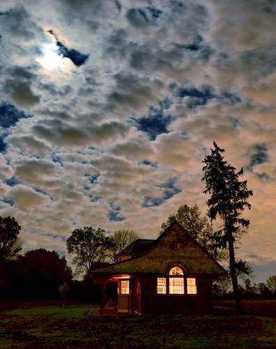 windows light station clouds illinois wayne fullmoon