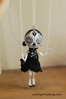 Marionette peg doll