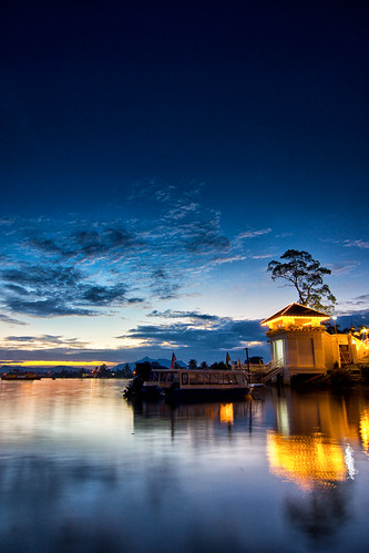 city longexposure travel blue light sunset cloud reflection tree nature night river landscape landscapes boat asia flickr skies waterfront image availablelight sony transport places images tokina sarawak malaysia borneo slowshutter getty kuching slt gettyimages a77 waterscape pfc gettyimage sonyalpha flickrawards flickraward sungaisarawak iamflickr tokina1116 sonyalphagalleria framptop photofreakcrew framptonpanchong getttyimages