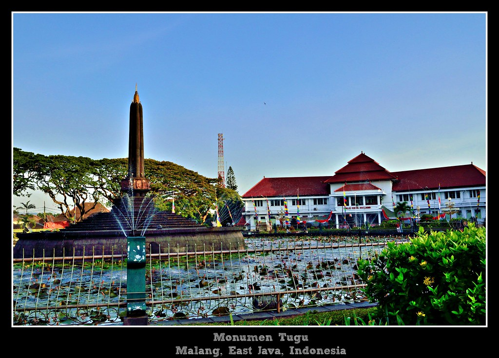 Tugu Monument Malang City Malang Is One Of The Oldest Cit Flickr