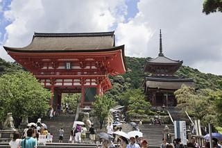 Kiyomizu-dera | by jose.jhg