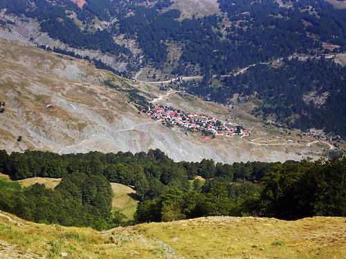 mountain path greece macedonia mountaineering epirus βουνό gramos μονοπάτι grammos πεζοπορία μακεδονία γράμμοσ ήπειροσ ορειβασία γράμοσ αετομηλίτσα