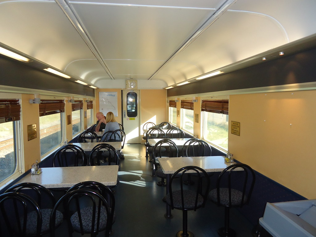 Strange The Dining Car On The Sunlander Which Qr Call A Buffet C Bralicious Painted Fabric Chair Ideas Braliciousco