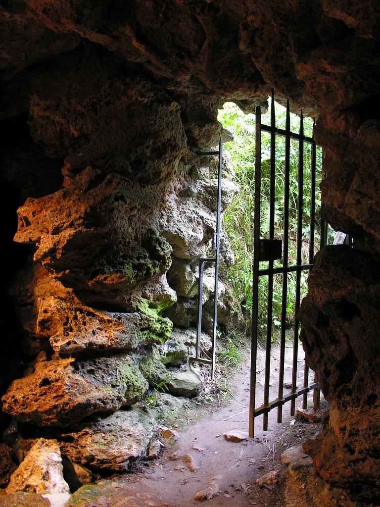 """Résultat de recherche d'images pour """"la grotte de Trianon"""""""""""
