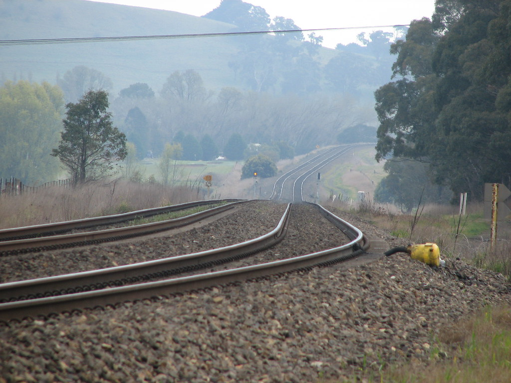 Werai curve,me,train layout.9 2012 004 by DAVE INNIS