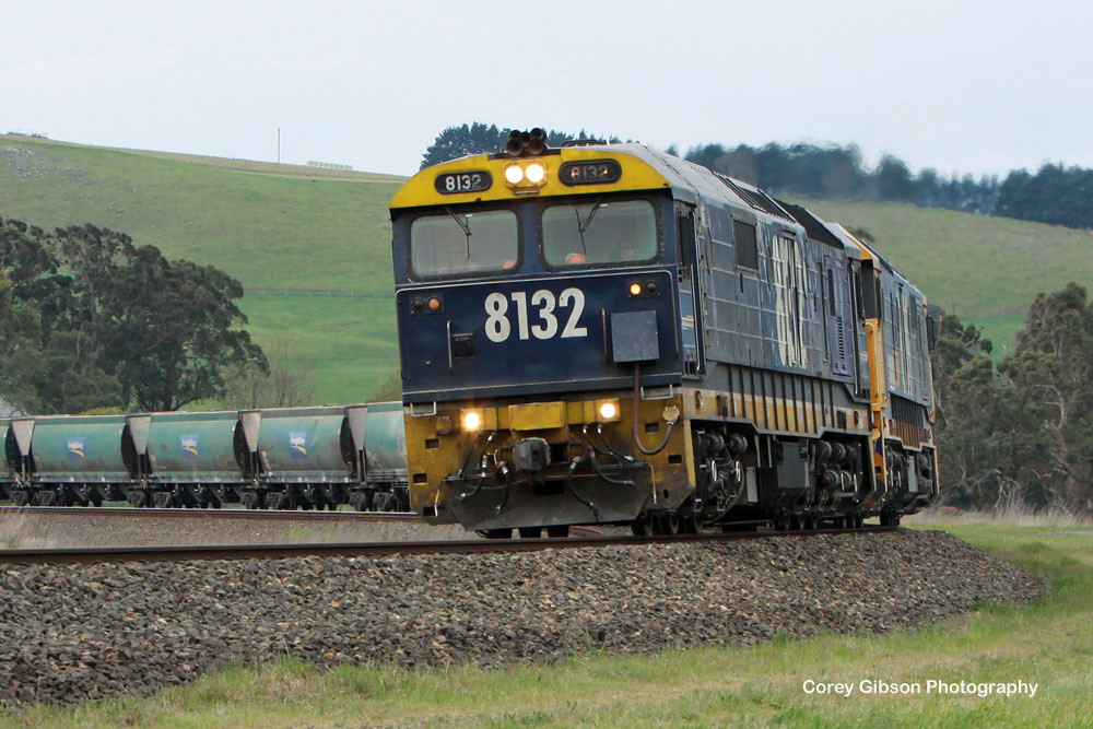 8132 & 8109 head away from Moss Vale by Corey Gibson