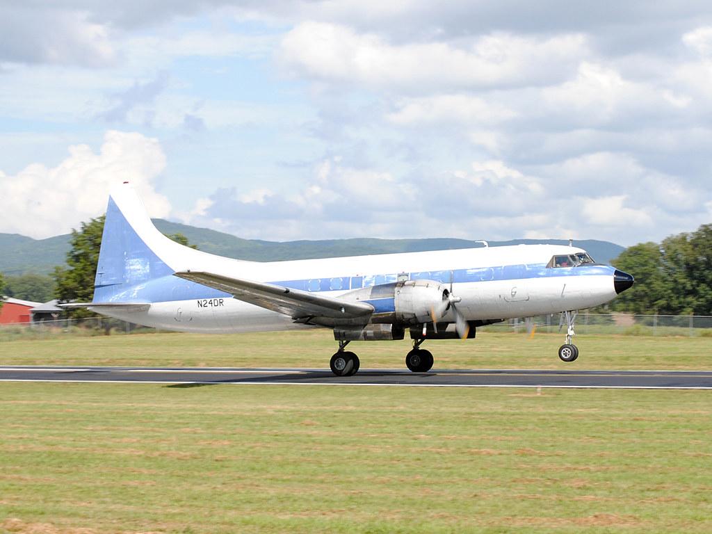 Convair CV440 Metropolitan N24DR