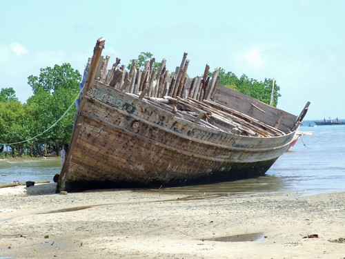 Unfinished Boat, Zanzibar | by Jonathan Stonehouse