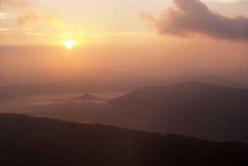 mountains forest sunrise virginia hiking roanoke hiker appalachiantrail blacksburg swva at mcafeeknob