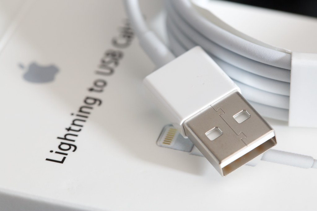 Lightning Usb Cable Problems:  I purchased anothu2026 ,Design