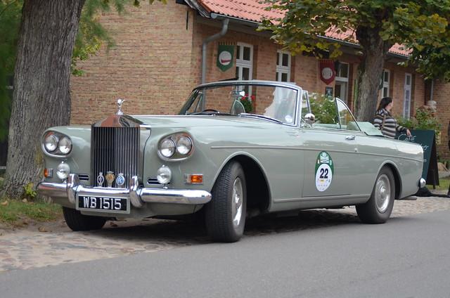 Rolls-Royce Silver Cloud III Mulliner Park Ward • 1966