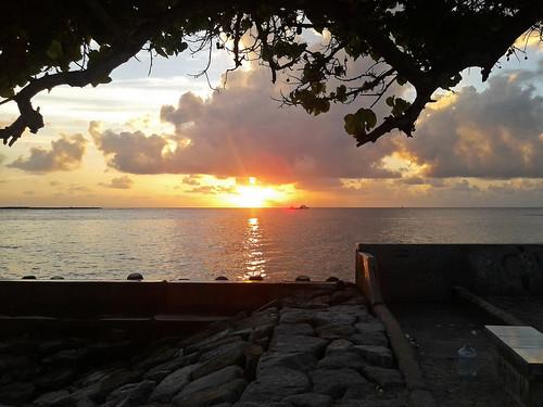 ocean life shadow sea sky sun tree beautiful beauty clouds sunrise gold golden boat view horizon samsung sunny rays maldives breathtaking malé simplymaldives