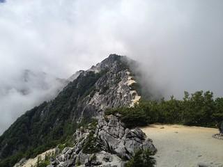 鳳凰山 地蔵岳~薬師岳 赤抜沢の頭を振り返り | by ichitakabridge