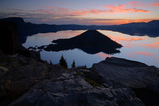 Crater Lake: Dawn's glow | by Shahid Durrani