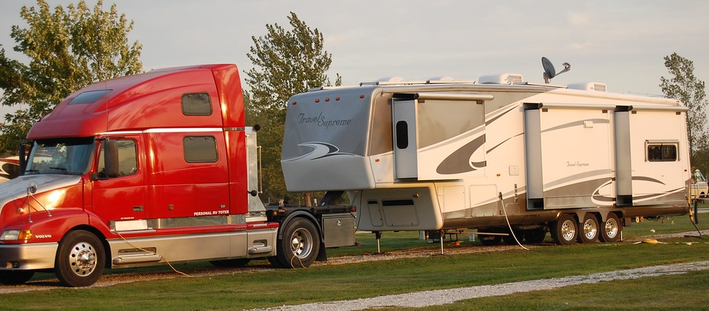 Volvo Personal RV Toter, Amana Iowa 9-19-12 | Folks in this