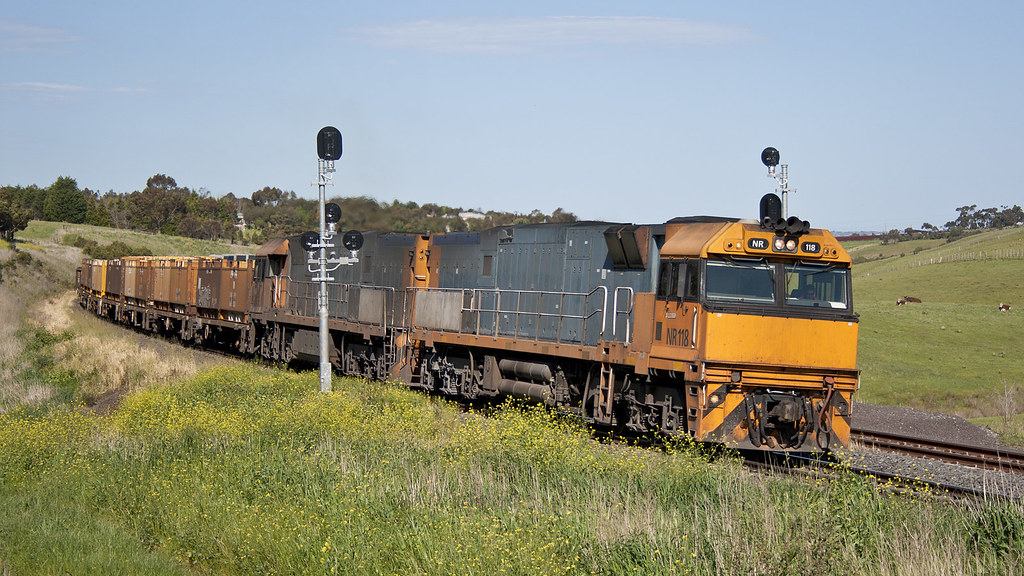 NR118 at Bell Post Hill by michaelgreenhill