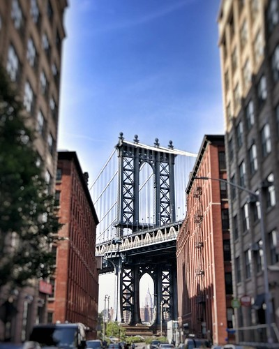 Once upon a Time.. #Newyork #nyc #newyorkcity #manhattan #Photo #Photography #Travel #travelgram #trip #iloveny #ilovenyc #newyorkphoto #instacool #instanewyork #mynyc #bigapple #thebigapple #bridge #manhattanbridge #sergioleone #view #colorful #igers #na | by Mario De Carli