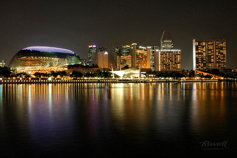 Singapore Night Shot: Right to the Esplanade