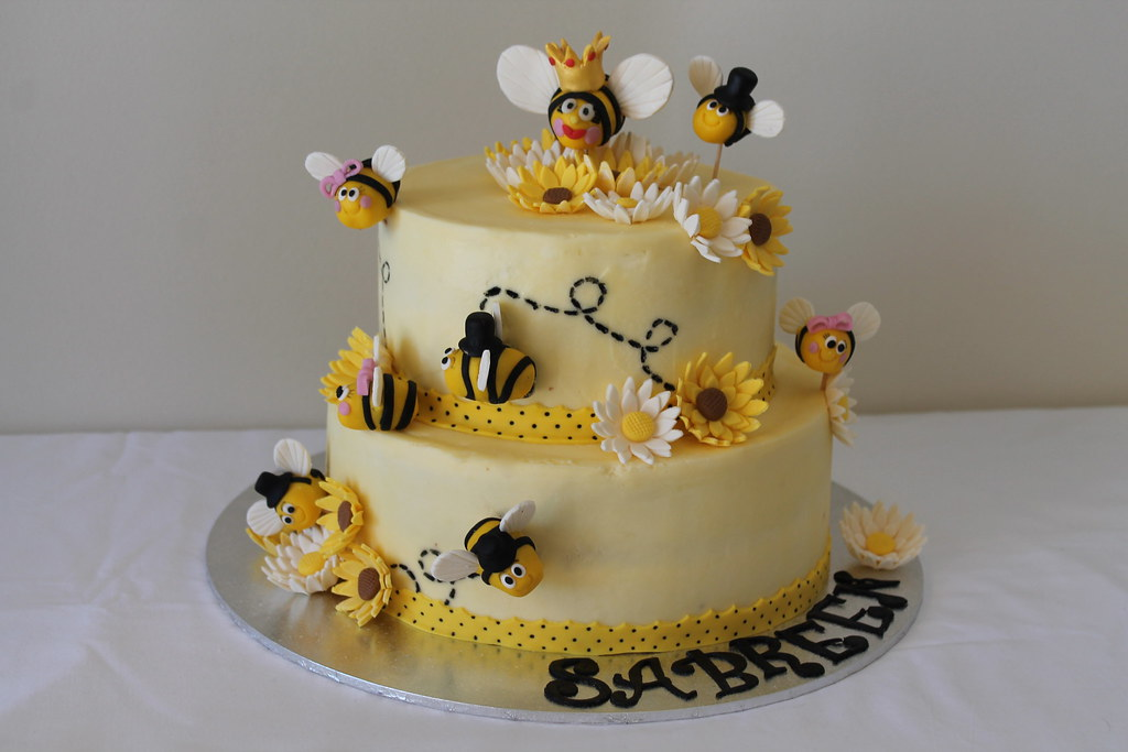 Enjoyable Bumblebee Birthday Cake Maryam Issadeen Flickr Personalised Birthday Cards Paralily Jamesorg