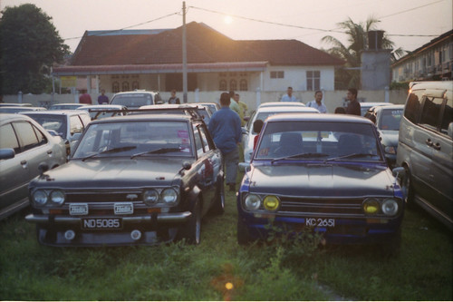 classic cars film vintage 50mm minolta malaysia fujifilm analogue 510 sss datsun 2012 kelantan x700 c200 rokkor 8800f negativescanned ƒ17 projectcassie japanesenostalgiccars