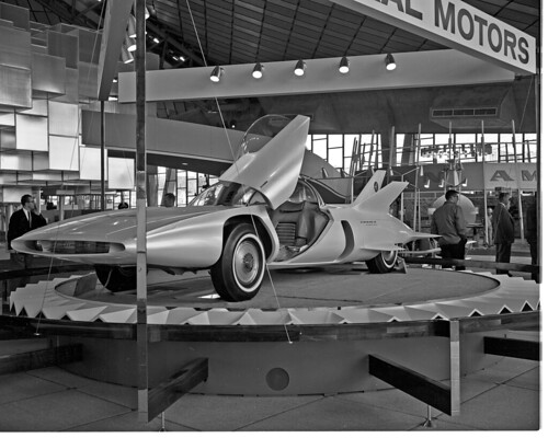 General Motors exhibit at World's Fair, 1962