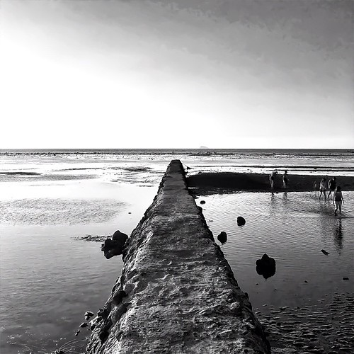 cameraphone travel blackandwhite white seascape black beach nature monochrome square landscape mono blackwhite squareformat bnw waterscape mobilography blackandwhitelandscape mobilephotography iphonegraphy phonegraphy iphoneography iphoneographer instagramapp uploaded:by=instagram iphone4s iphone4sonly
