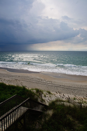 vacation beach clouds topsail