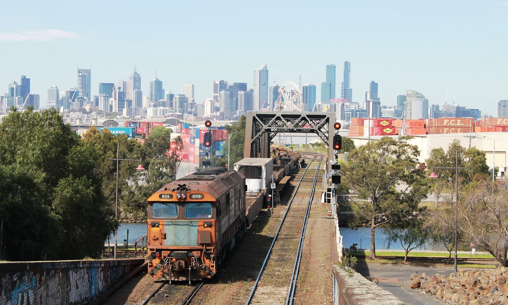 8114 shunting at Bunbury Street by S312 Photography
