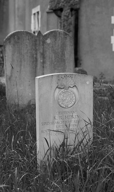 CWGC Lieutenant K R Hipkin 53rd Searchlight Regt. R.A. late 5th Bn Royal Northumberland Fus.