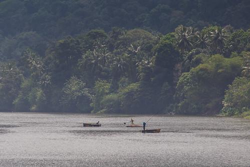 mahaweliganga srilanka fishermen canon landscape water nature river trees kandy
